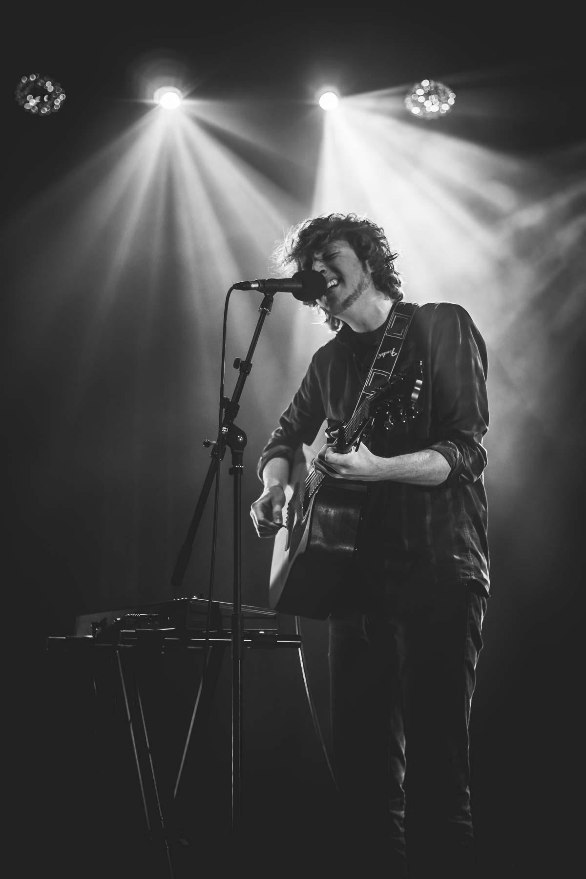 Ruven Dru - Singer-Songwriter