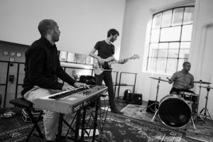 Tomkombuese - Jazz - Pop